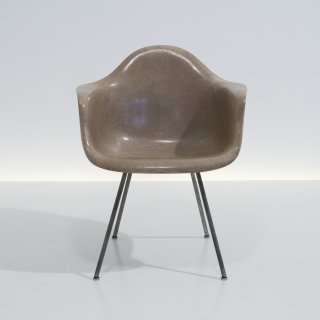 Charles Eames: Armchair LAX umber